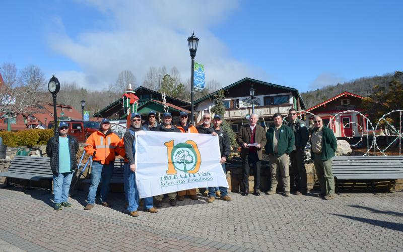 Pictured are Bart Bartlett, Skylar Day, Johnathan Morgan, George Chalvatzis, Chris Estaes, Jimmy Rogers, Jack Morgan, Jacob Westmoreland, Randy Webb, Brian Tate (Georgia Forestry Commission), Will Dale (Georgia Forestry Commission) and Helen Commissioner Jeff Ash. (Photo/Stephanie Hill)
