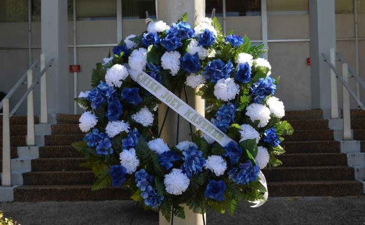This wreath was placed at the flagpole in front of the White County Courthouse in Kastner's memory. (Photo/Stephanie Hill)